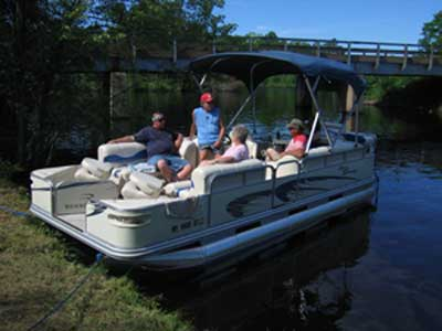 2005 Bennington equipped with a 90 hp Yamaha 4 stroke motor